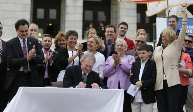 Rhode Island approves gay marriage; state becomes 10th in nation to legalize - Metro - The Boston Globe