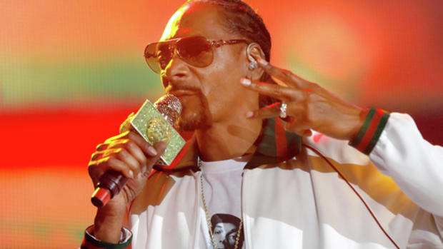 FILE PHOTO - Rapper Snoop Dogg performs at ComplexCon in his hometown of Long Beach