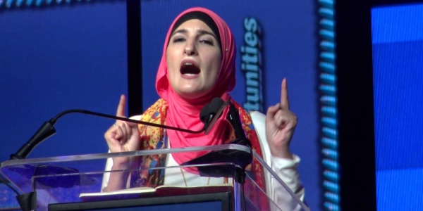 Linda Sarsour speaking at last year's ISNA convention. She re-appeared at this year's convention, held July 1-3 in Rosemont, Illinois.